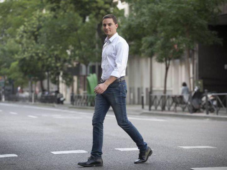 Juan Lobato: