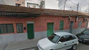 La plataforma #SalvaPeironcely10 vuelve a plantear que se declare BIP el edificio fotografiado por Capa
