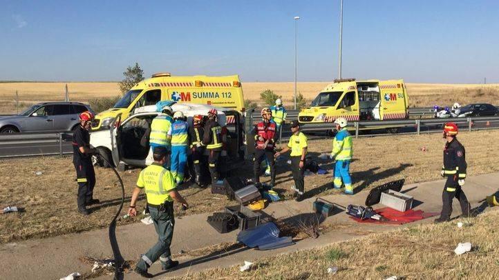 Los equipos de Emergencias en el lugar del accidente