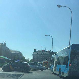Nuevo incidente con un autobús de la EMT en Moncloa