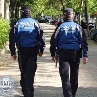 Dos detenidos en Carabanchel tras robar en una tienda de telefonía