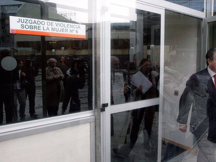 Prisión provisional para el hombre que asestó dos puñaladas a su expareja en Alcorcón