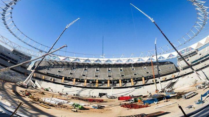 Obras de construcción del antiguo estadio de La Peineta que lleva acabo la empresa FCC para convertirlo en el estadio Wanda Metropolitano para el Atlético de Madrid.