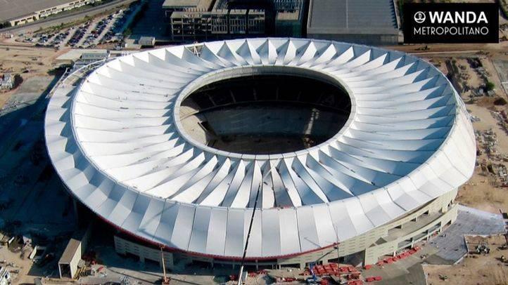 Vista general del estadio Wanda Metropolitano una vez terminada la instalación de su cubierta