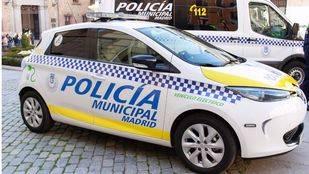 Detenido cuando intentaba robar un coche en Carabanchel con una grúa
