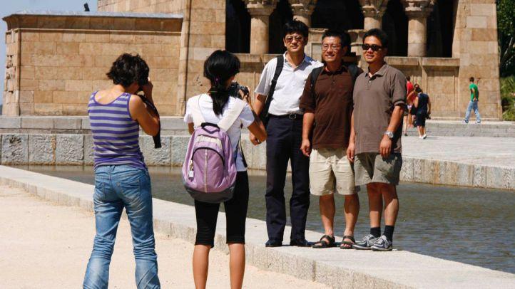 Vecinos de La Latina piden limitar los alquileres turísticos para evitar la turismofobia en Madrid