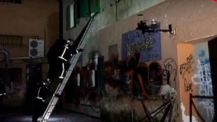 Un incendio en una casa abandonada de Guadarrama obliga a desalojar un restaurante y otras viviendas