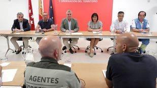 Imagen de la reunión mantenida hoy entre el viceconsejero de Medio Ambiente y los alcaldes de Pelayos de la Presa y San Martín de Valdeiglesias.