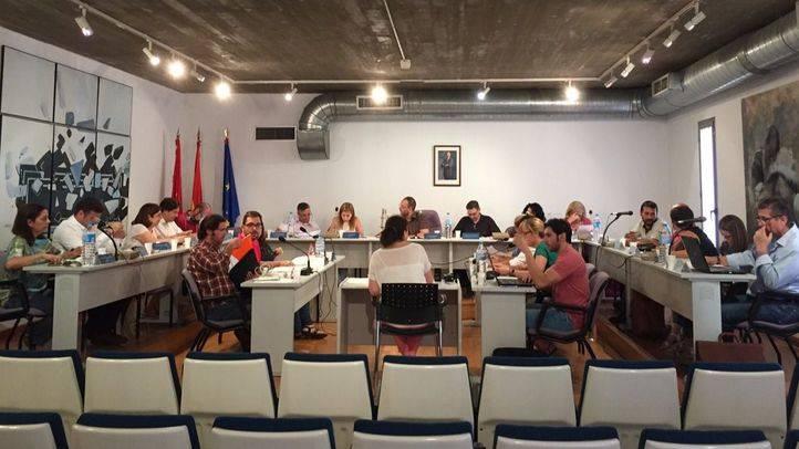 Los tenientes de alcalde y los portavoces de los tres grupos municipales en la oposición se han reducido el sueldo para este año, como se aprobó a finales de julio.