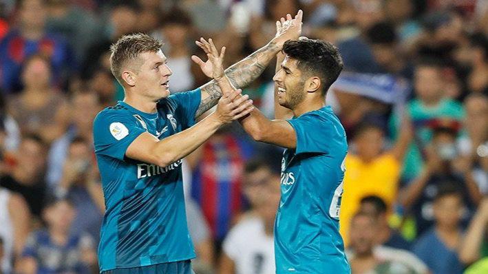 Supercopa: el Madrid acaba con diez pero humilla al Barça en el Camp Nou (1-3)