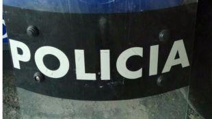 Cinco agentes estuvieron 20 minutos sin protección en los disturbios de Pinto