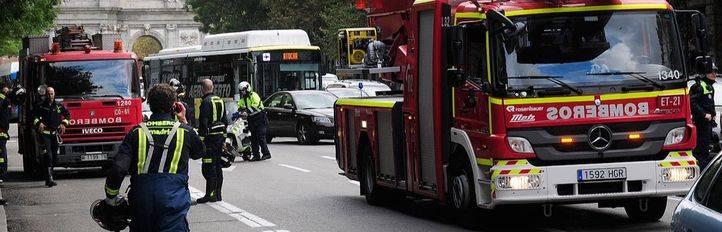 Los Bomberos de Madrid reclaman un aumento de plantilla para no 'achicharrarse' con las guardias