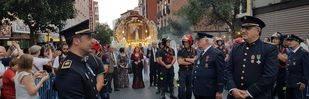 La procesión de La Paloma recorre las calles de Madrid
