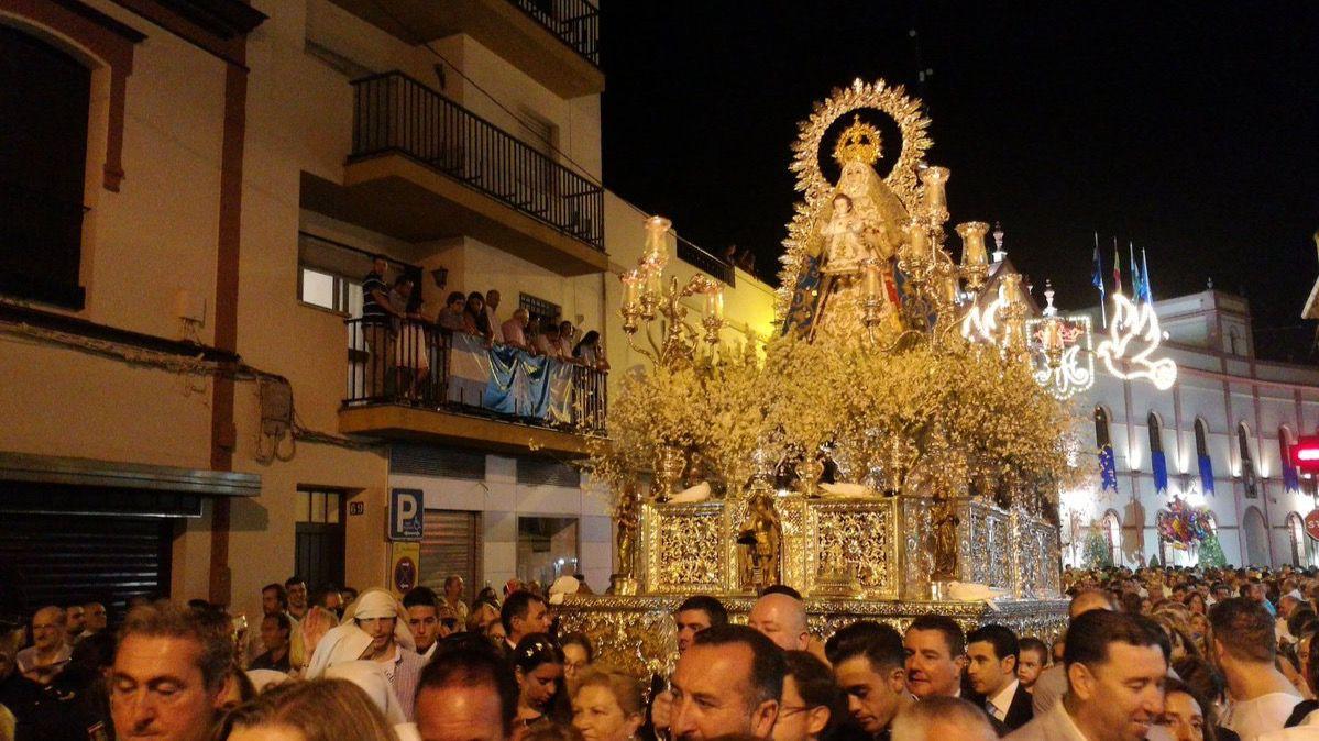La Procesion De La Paloma Recorre Las Calles De Madrid Madridiario