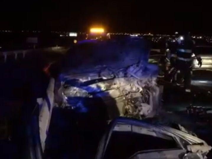 Uno de los coches implicados en el choque circulaba en sentido contrario.