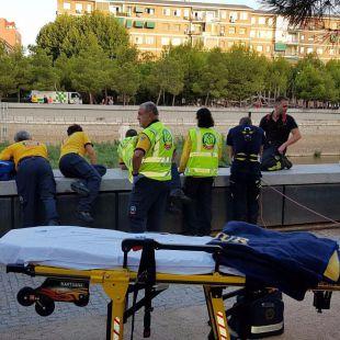 Los Bomberos rescatan a una persona que había caído al Manzanares