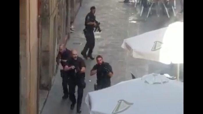 Imagen del dispositivo desplegado tras el atentado en Barcelona.