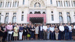 El Ayuntamiento guarda un minuto de silencio por el atentado