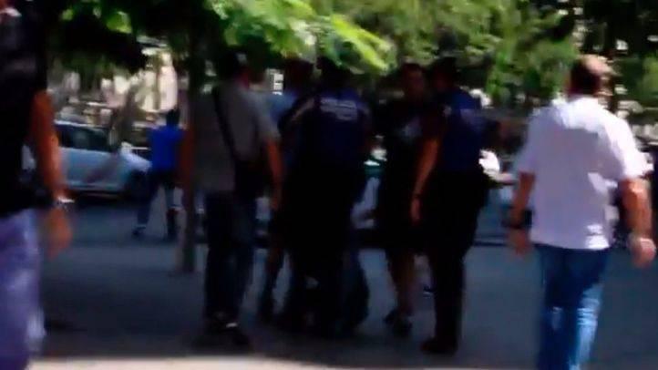 La Policía Municipal impide que Hogar Social Madrid reviente el minuto de silencio llevado a cabo en Cibeles.