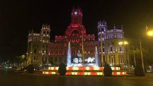 La Cibeles se ilumina con los colores catalanes