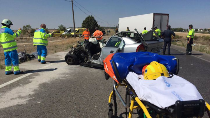 Un conductor, grave tras chocar con un camión