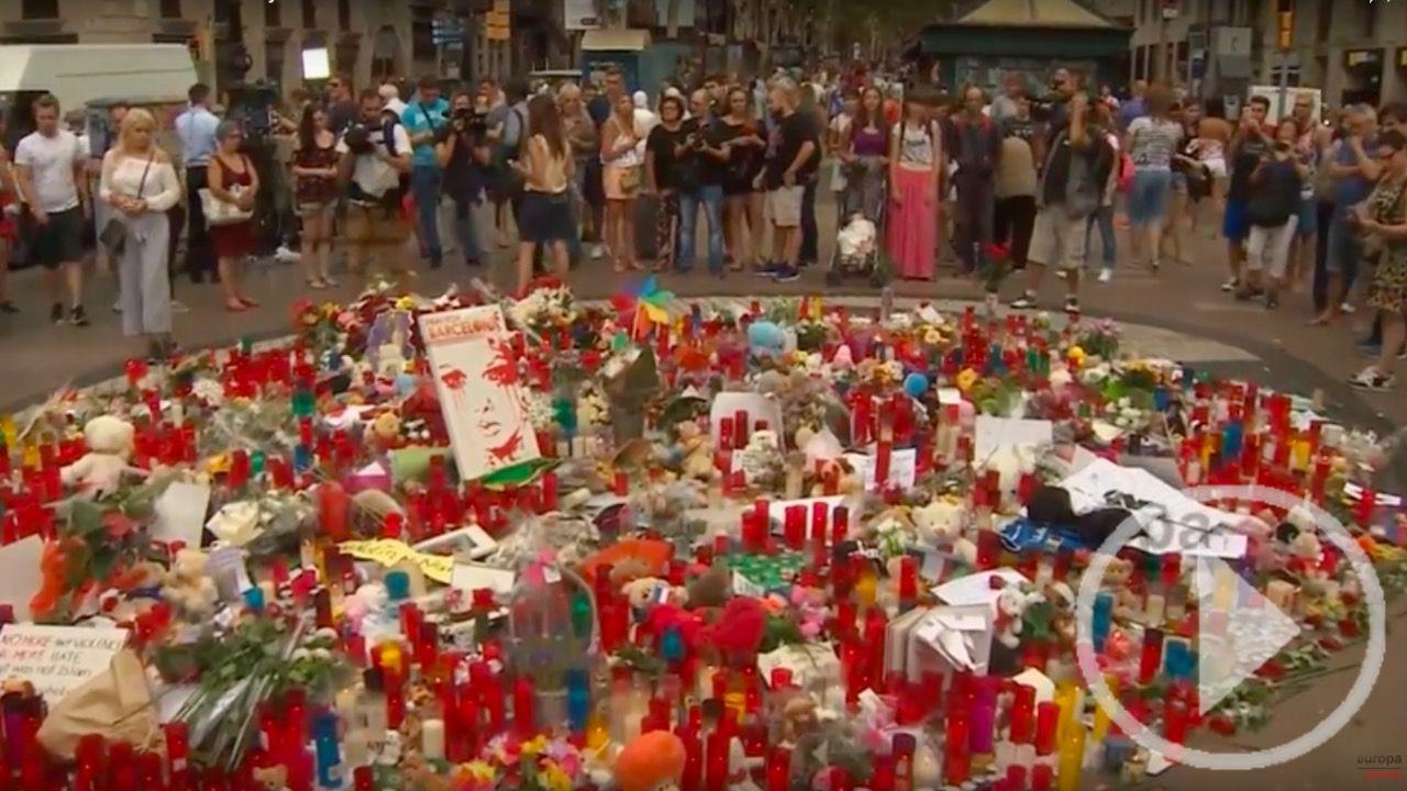 Continúan los homenajes a las víctimas de Barcelona y Cambrils en La Rambla