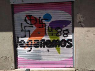 Pintadas fascistas en la sede de Leganemos