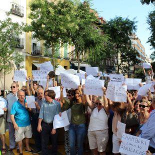 Los vecinos reclaman la reversión total de la calle Galileo