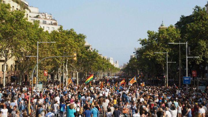 Miles de personas participan en la marcha contra el terrorismo