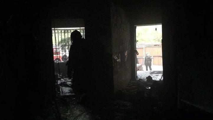 Calcinada una oficina de un centro comercial de Coslada tras un incendio