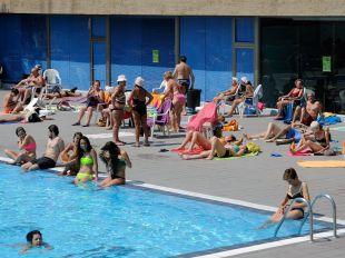 Las otitis de las piscinas, principal consulta pediátrica en verano
