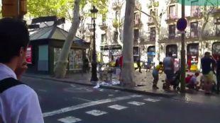 Cifuentes, Adrados y Sara Hernández lamentan la muerte de la alemana herida en Barcelona