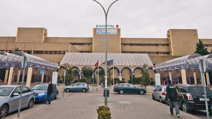 Hospital universitario de Getafe fachada y aparcamiento