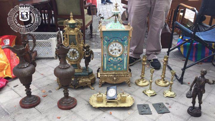 Antigüedades robadas que estaban en venta en El Rastro.