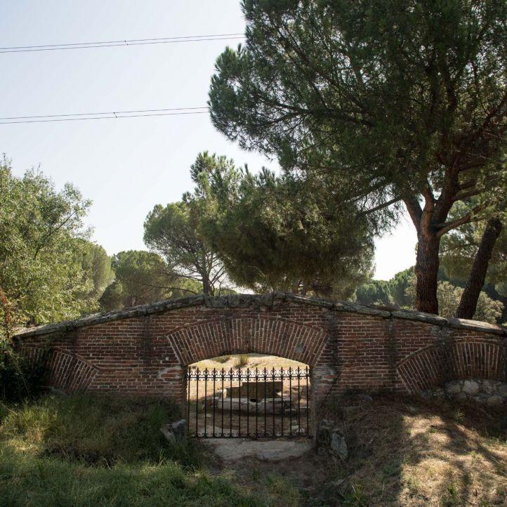 Comienzan los arreglos del muro y las rejas de Sabatini en la Casa de Campo