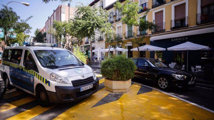 Radar móvil en la calle Galileo, entre Fernando Garrido y Meléndez Valdés.