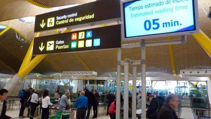 Tiempo de paso por los filtros de seguridad del Aeropuerto Adolfo Suárez Madrid-Barajas (Archivo).