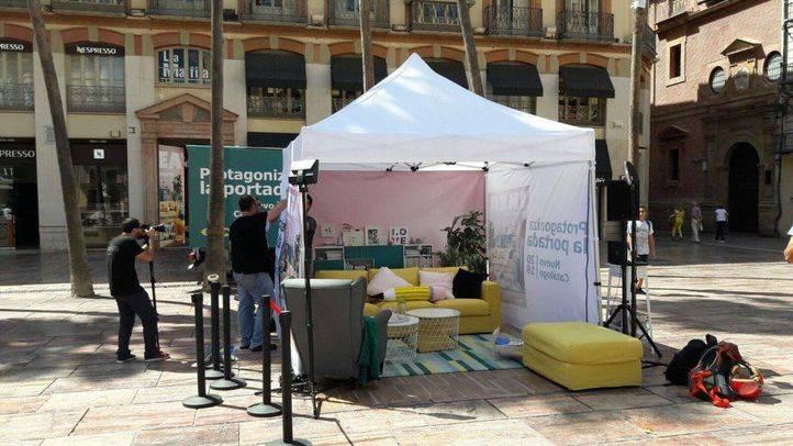 IKEA monta el salón de la portada de su nuevo catálogo en las principales ciudades españolas