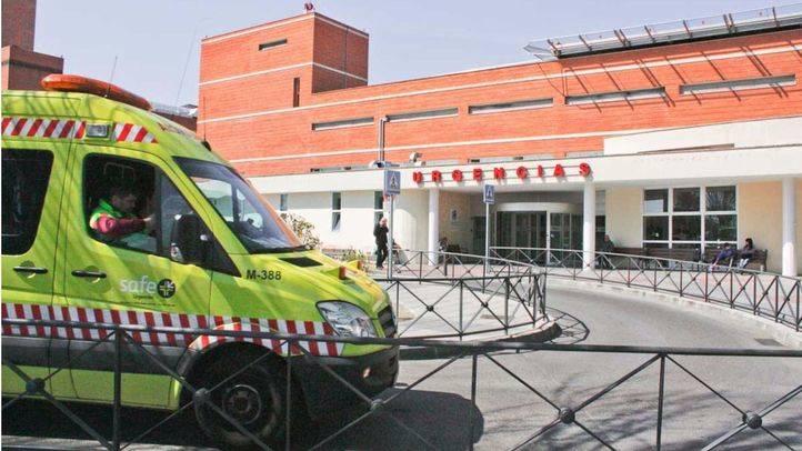 Urgencias y ambulancia del hospital 12 de Octubre. (Archivo)