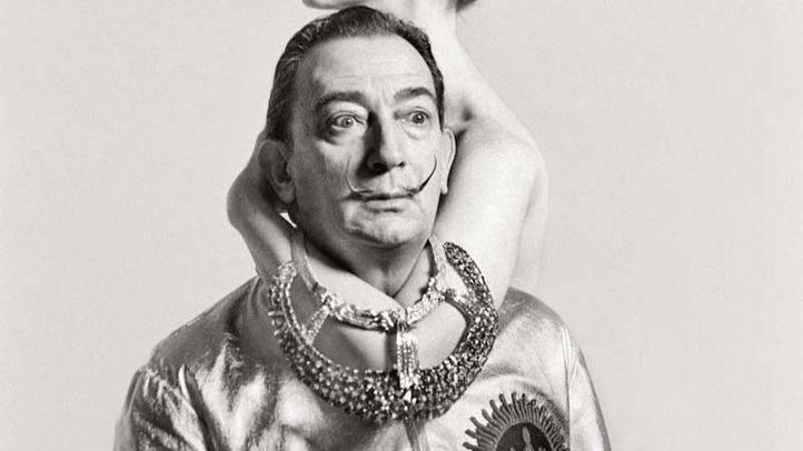 Salvador Dalí en una portada de la revista Vogue. (Archivo)