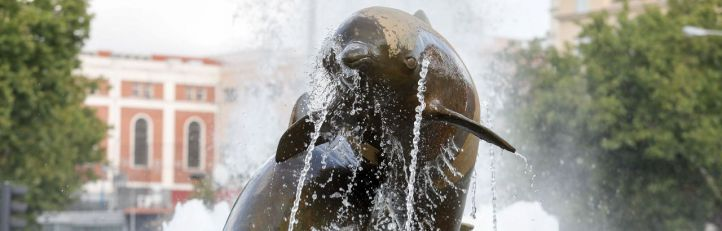 La 'plaza de los delfines' cumple 75 años