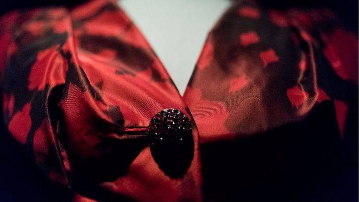 La sala de exposiciones del Canal de Isabel II ha presentado la exposición sobre la trayectoria creativa del modisto Manuel Pertegaz, mostrando vestido de alta costura como de prêt-a-porter.