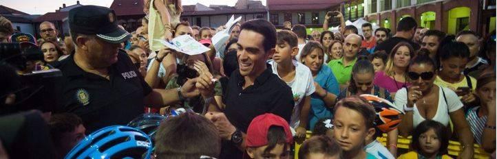 Más de 4.000 personas despiden a Contador en Pinto