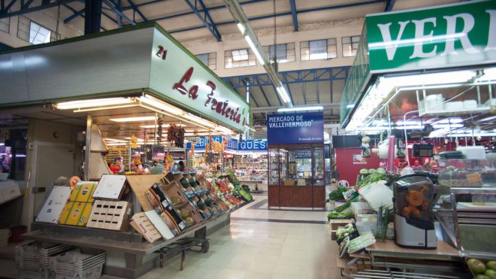 El mercado de Vallehermoso estrena una zona permanente de productores locales