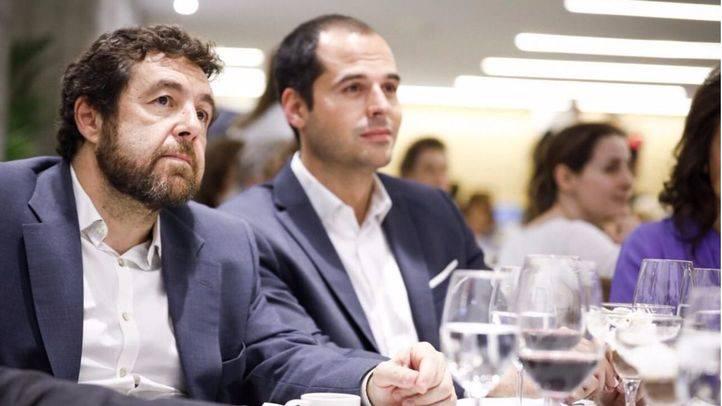Miguel Gutiérrez, junto a Ignacio Aguado. (Archivo)