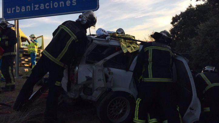 Los servicios de Emergencia, actuando en el accidente que ha ocurrido en Villanueva de la Cañada.