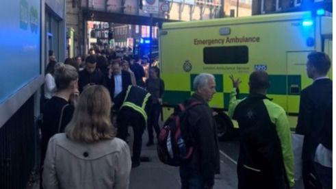 Tras la explosión, la Policía Metropolitana  ha desalojado la estación de Metro de Londres