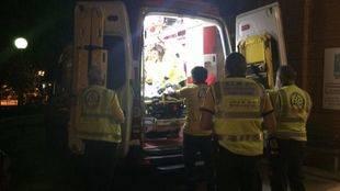 Los servicios de emergencias atienden al herido