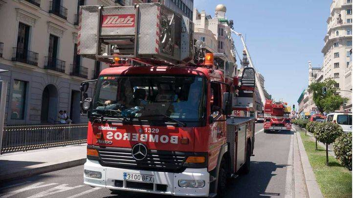 El Ayuntamiento convoca 75 plazas para bomberas y bomberos conductores especialistas