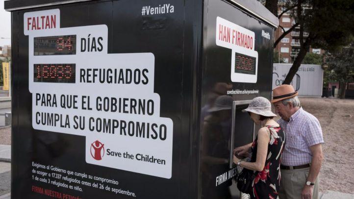 Contador electrónico que contará el número de refugiados que quedan por llegar y los días restantes